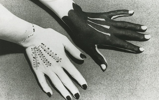 man-ray-painted-hands-1935